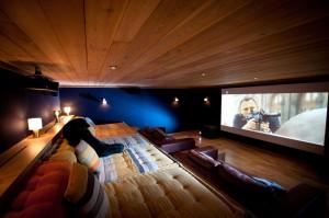 SCP15-chalet-salle-cinema